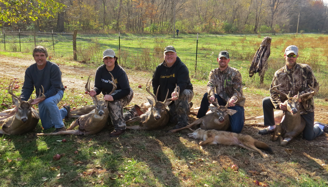 Trophy Buck Outfitters   Finest trophy whitetail deer